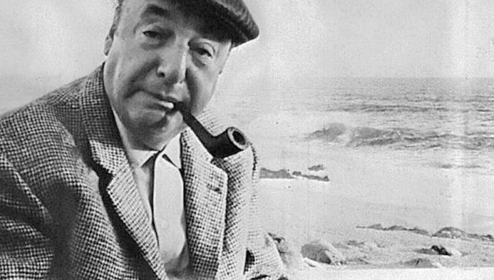 El escritor Pablo Neruda
