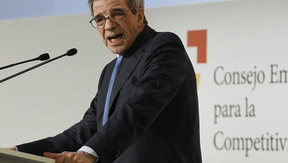 El presidente del Consejo Empresarial de Competitividad y de Telefónica, César Alierta