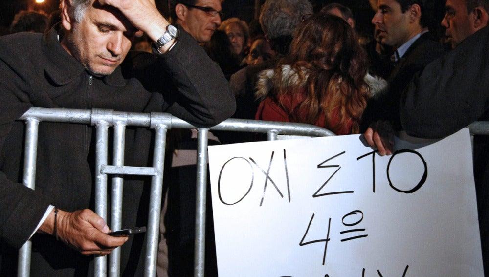 Empleados de los bancos de Chipre también se manifiestan
