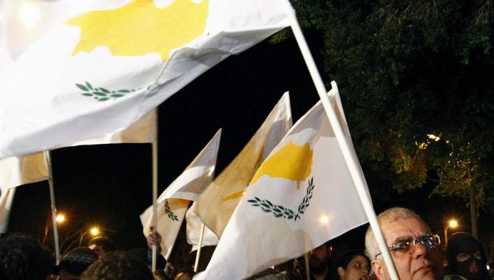 Chipre sale a la calle a protestar