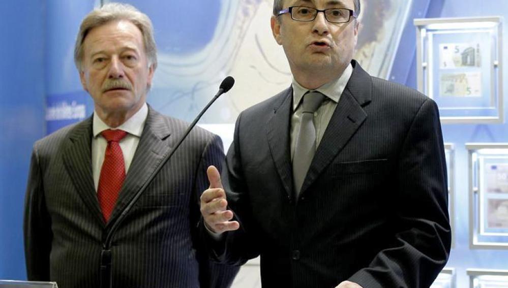El subgobernador del Banco de España, Fernando Restoy, en presencia del miembro del comité ejecutivo del Banco Central Europeo, Yves Mersch