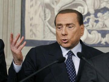 Berlusconi en su comparecencia