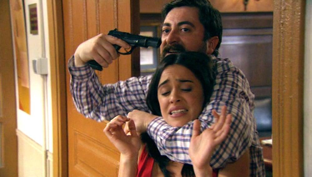 El alcalde secuestra a Vera