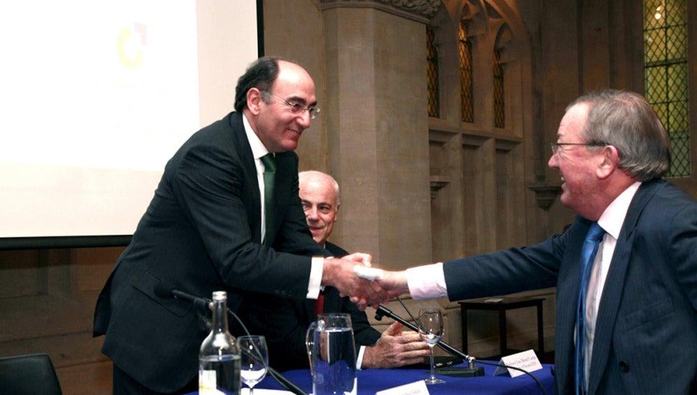Ignacio Sánchez Galán saluda al vicepresidente de la City de Londres, Stuart Fraser