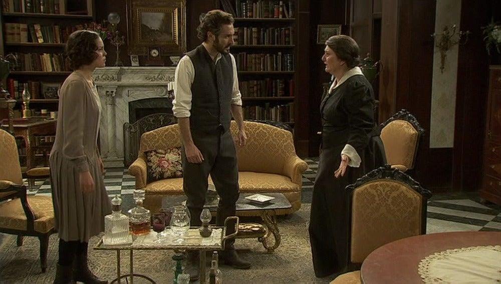 Tristán exige a Rosario que pida disculpas a Aurora