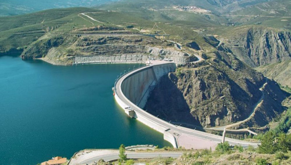 Embalse casi al completo de su capacidad total