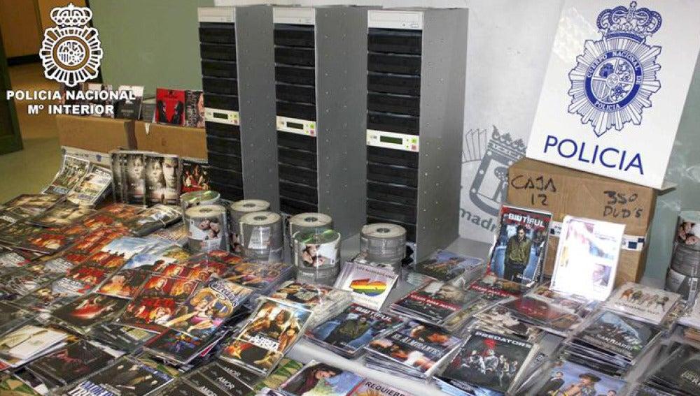Imagen de una operación contra la piratería audiovisual y musical en Madrid