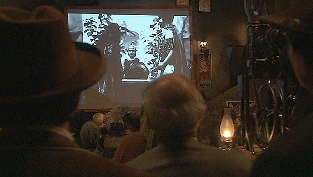 Llega el cinematógrafo a Puente Viejo