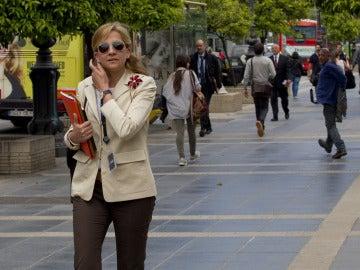 La infanta, caminando por Barcelona