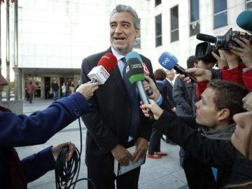Miguel Ángel Rodríguez a las puertas del juzgado