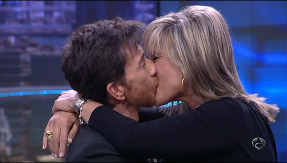 El beso en los labios de Julia Otero y Pablo Motos