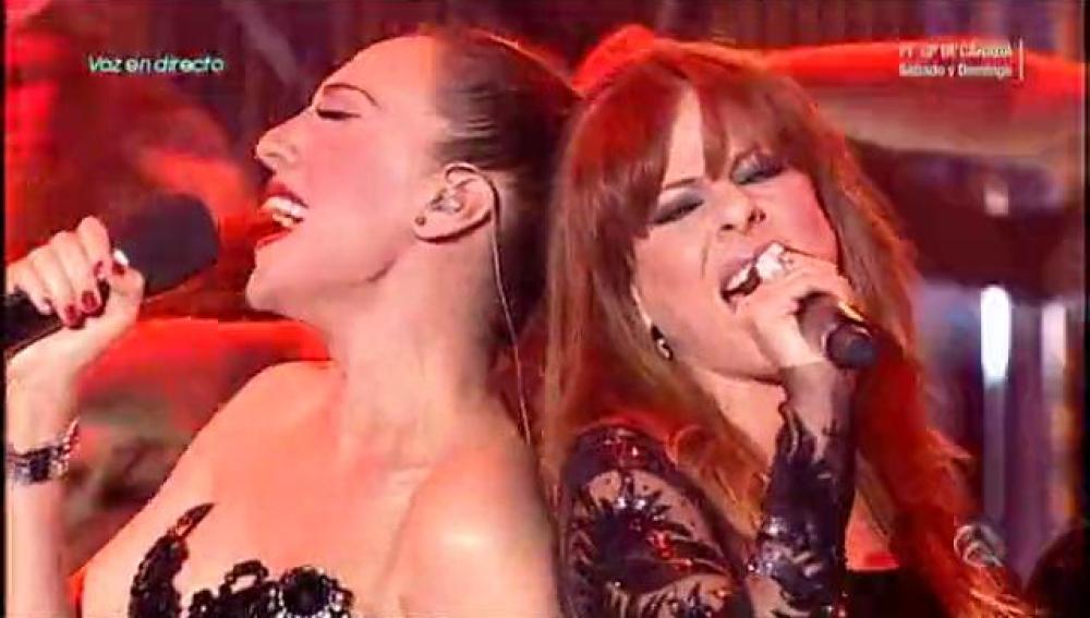 Actuación de Mónica Naranjo y Pastora Soler