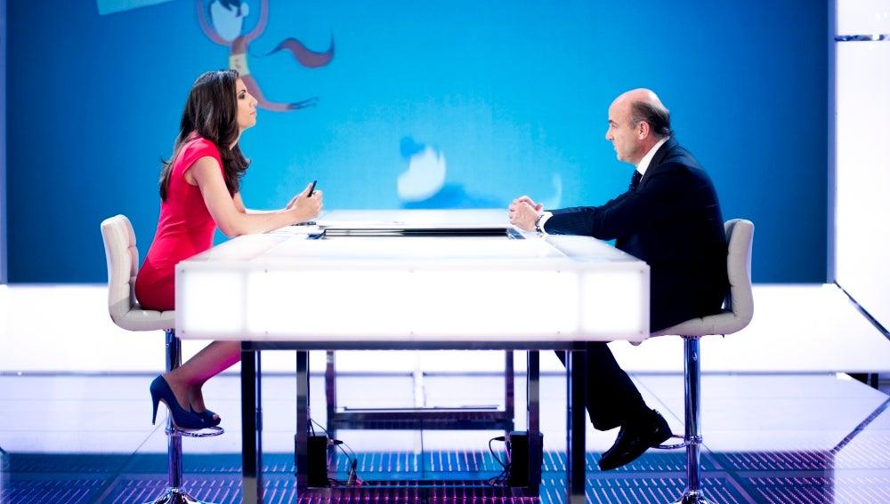 Luis de Guindos y Ana Pastor en la mesa de El Objetivo