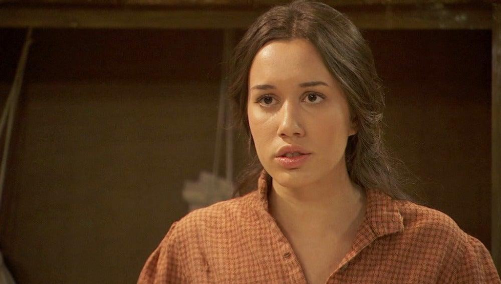 ¿Confesará Aurora que Carmen es la chica que la persigue?