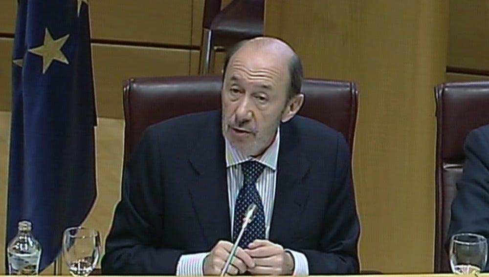 Alfredo Pérez Rubalcaba en su comparecencia en el Senado