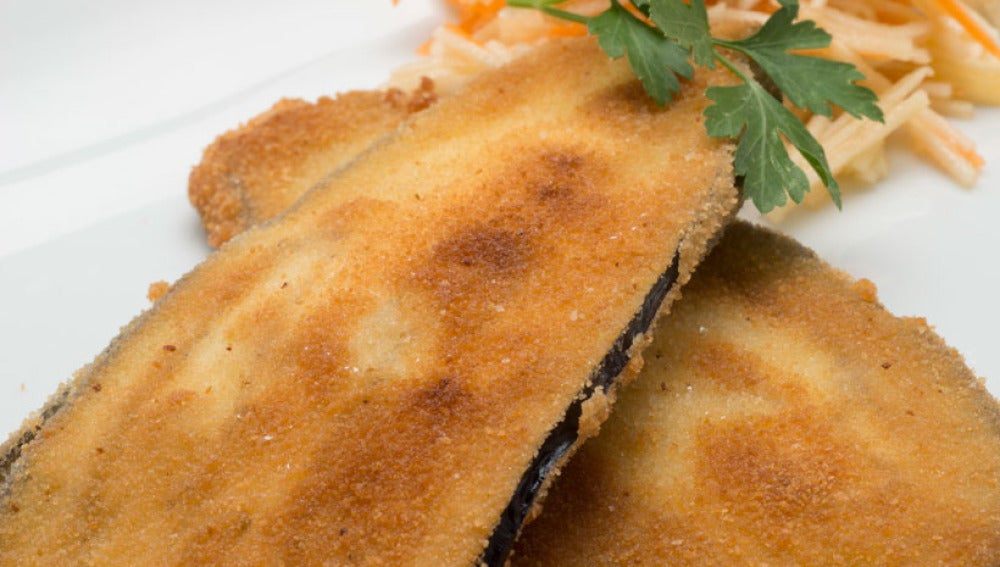 Filetes de berenjena rellenos de ensalada