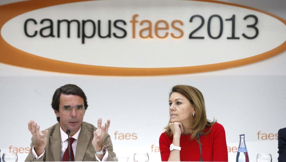 Aznar y De Cospedal en un acto de las FAES