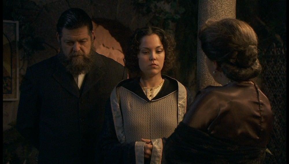 Francisca pilla a Aurora