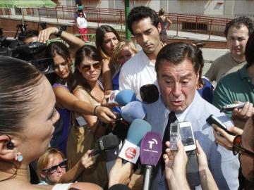Sánchez de Puerta ante los medios