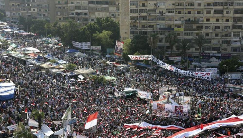 Manifestación de los Hermanos Musulmanes en apoyo del depuesto presidente Mohamed Mursi