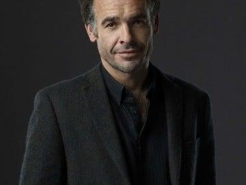 Paul Blackthorne es el detective Quentin Lance