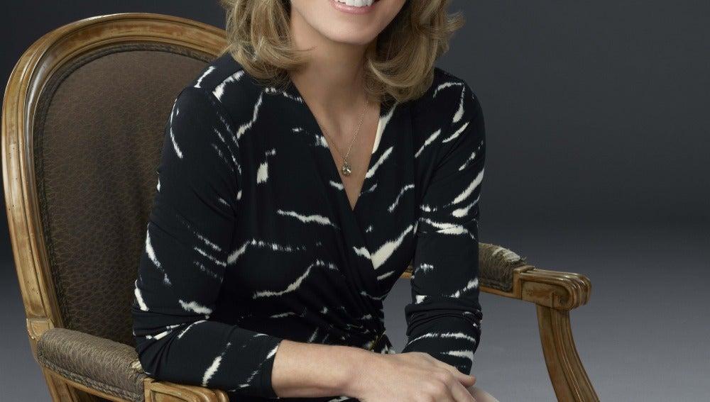 Susanna Thompson es Moira Queen