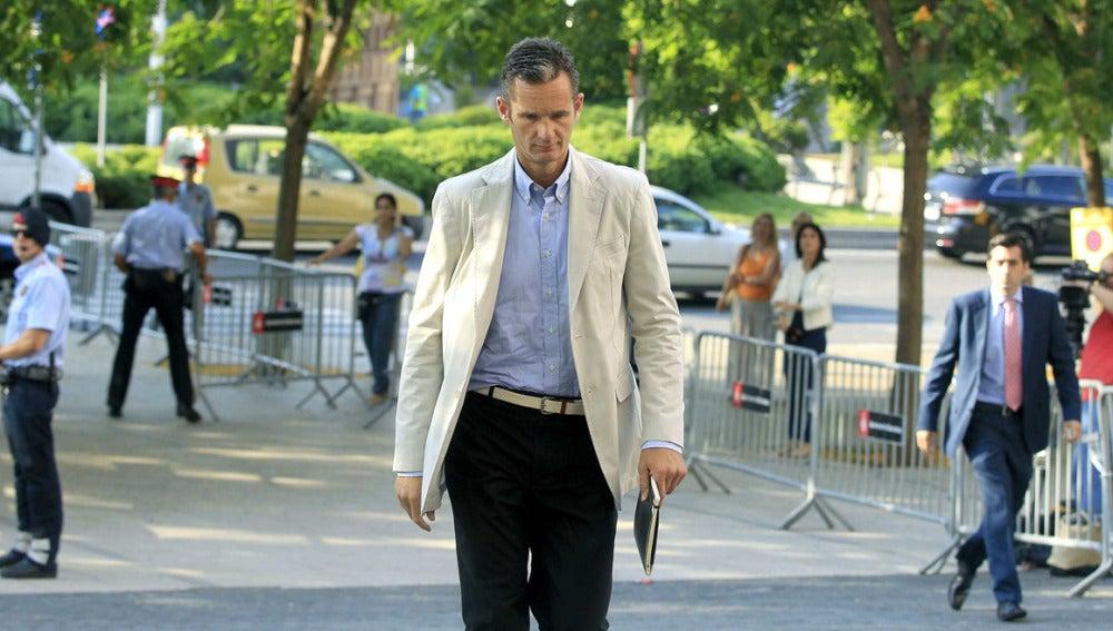 Urdangarín a su llegada a la Ciudad de la Justicia de Barcelona