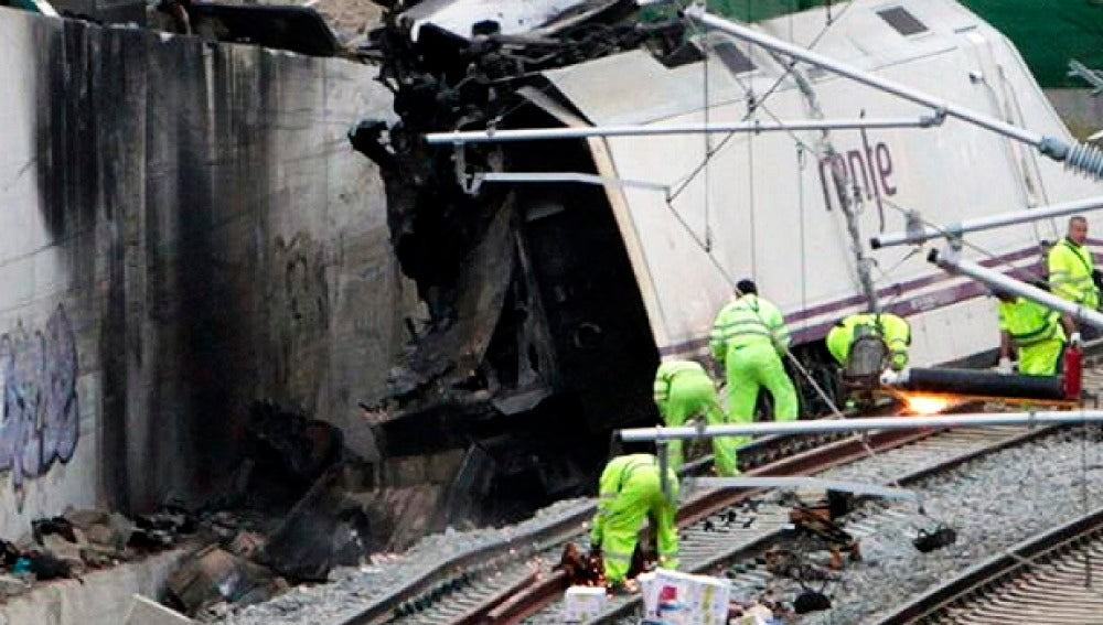 Imagen del tren Alvia siniestrado en Santiago