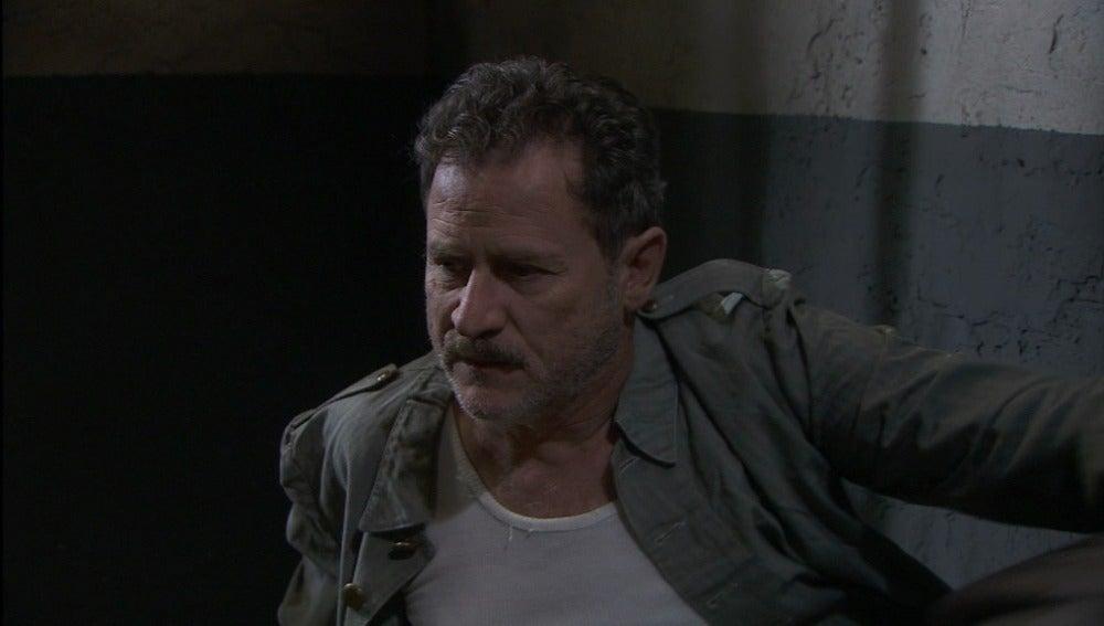 Cipriano se desespera por su entrada injusta en la cárcel