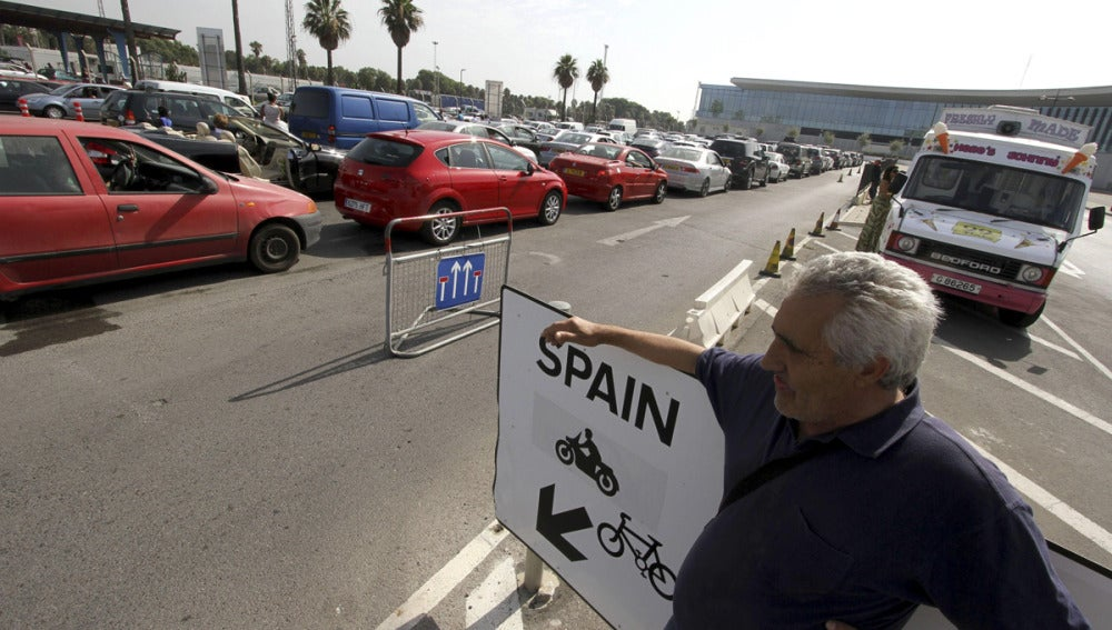 Largas colas en la frontera de Gibraltar