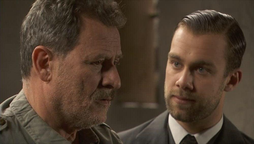 Fernando chantajea a Cipriano para que asesine a su padre