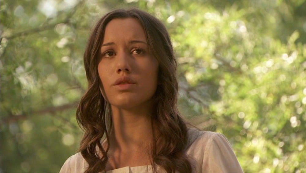 Rosario, preocupada por Tristán, le pide a Aurora que le de una oportunidad