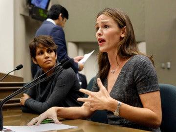 Halle Berry y Jennifer Garner en guerra contra los paparazzis