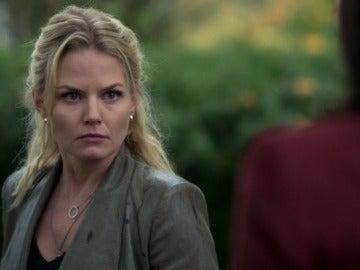 Emma se enfrenta a Regina