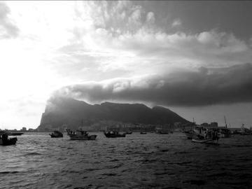 Peñón de Gibraltar en blanco y negro