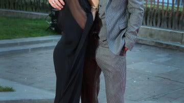 Elsa Pataky y Chris Hemsworth posando en la premier de la película del actor 'Rush'