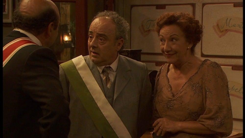 El Gobernador con Pedro y Dolores