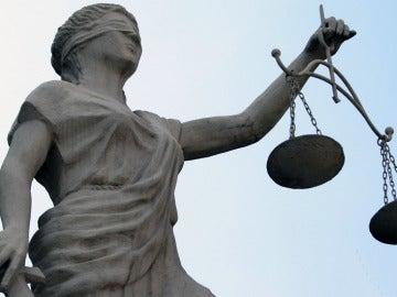 Una estatua que representa la justicia