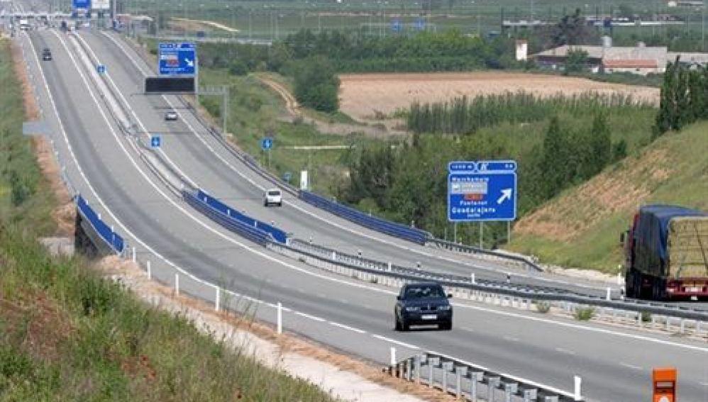 Tramo de la autopista R2 de Madrid.