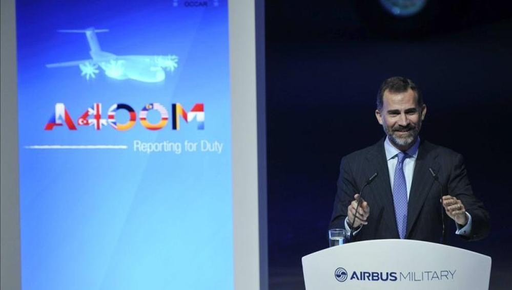El Príncipe pone el programa del A400M como ejemplo de cooperación europea