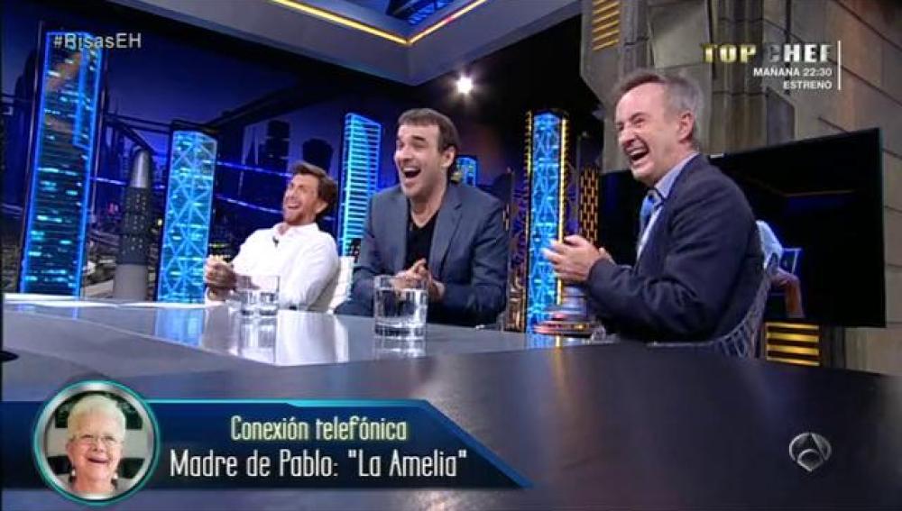 La Amelia habla con Luis y Carlos