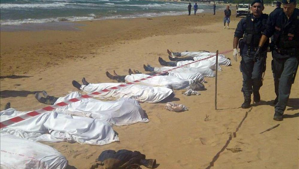 Al menos 50 inmigrantes mueren frente a Lampedusa