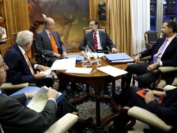 El Rey junto a Rajoy y el Príncipe, en La Zarzuela