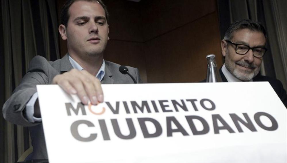 Albert Rivera y el exministro del Interior socialista Antonio Asunción presentan 'Movimiento Ciudadano'
