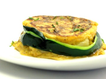 Tortilla de patatas con cebolla confitada en módena