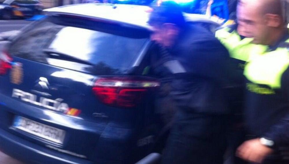 Un hombre entra con una pistola en casa de Bárcenas