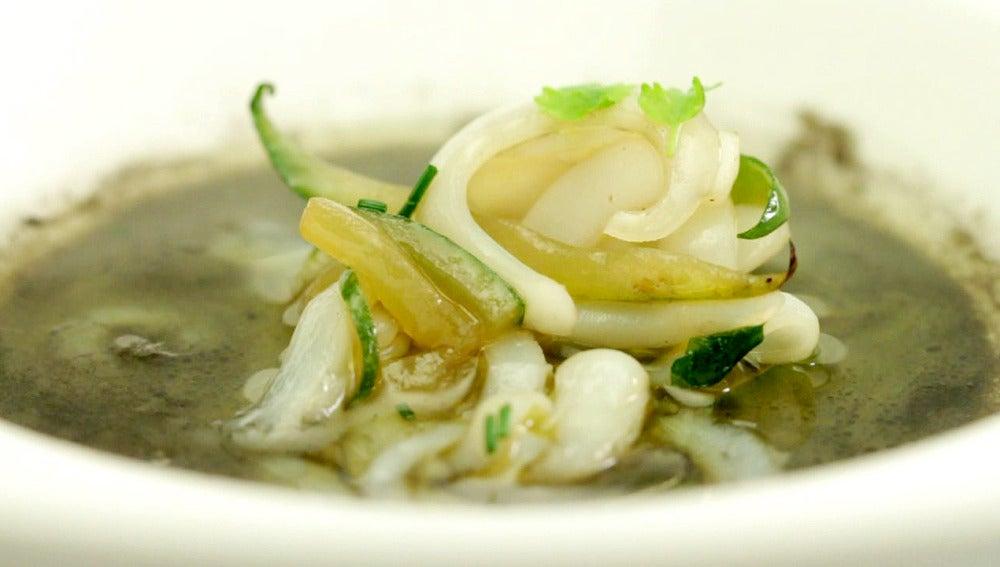 Sopa de calamar y pepino