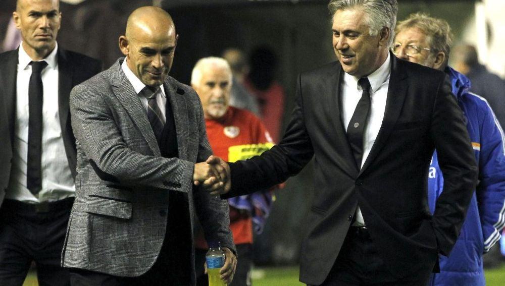 Saludo entre Carlo Ancelotti y Paco Jémez