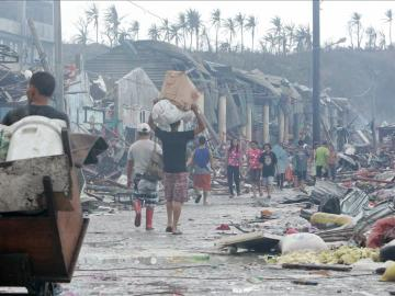 El tifón Haiyan arrasa Filipinas