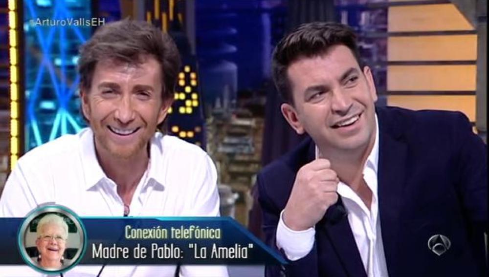 La Amelia habla con Arturo Valls